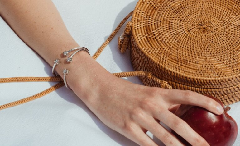 DINH VAN PARIS' ICONIC MENOTTES AND LE CUBE DIAMANT ARE MAKING A COMEBACK FOR THE SUMMER